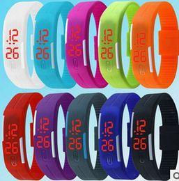 vigilanza della ragazza del silicone Sconti 2015 Fashion LED Watch Smart Touch Screen in gomma plastica ragazzi ragazze uomini Donne sprots Orologi digitali ultralong bracciali regalo di Natale