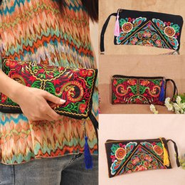 Wholesale Embroidery Clutch Wholesale - Pretty bag women clutch handbag new 2015 women messenger bags two side embroidery national casual cross-body shoulder small bag B0004