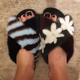 Wholesale Natural Flat Shoes - 2018 Winter Trendy New Brand Asymmetric Posh Fur Slippers Natural Mink Fur Slides Flower Decor Flat Shoes Women