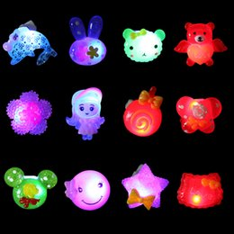 Wholesale Christmas Flashing Led Brooch - Birthday Party LED Flash Color Ring Brooch Shiny Glow Light Toys Christmas Party Favors Promotion SD933