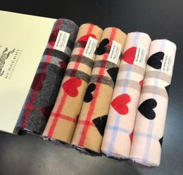 Wholesale Scarves For Women Hearts - 2017 timeless classic plaid scarf, autumn winter cashmere scarf, peach heart design and high-end scarf for men and women