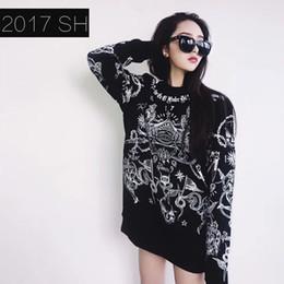 Куртка из черепа онлайн-Прилив новый зимний свитер черный череп печатных с длинными рукавами свитер куртка для мужчин и женщин все Матч пары платье пальто
