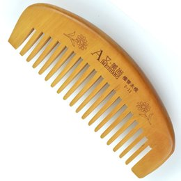 Wholesale Children Brushing Teeth - Children Small Sandalwood Peach Wide Tooth Comb 11 * 5cm long curved back peach comb-shaped Natural sandalwood