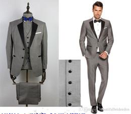 2019 pajarita negra traje gris 2019 Custom Grey Male Flower Trajes de solapa negro Slim Fit trajes de boda para niños Tuxedos Boy's Formal Wear (chaqueta + pantalones + chaleco + pajarita) pajarita negra traje gris baratos