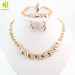 Conjuntos de joyería chapada en oro de las mujeres africanas online-Moda mujer africana 18 K chapado en oro collar pendientes conjunto partido nupcial boda accesorios joyería conjunto