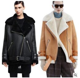 Wholesale Black Fur Leather Coat - Wholesale-Leather suede aviator jacket Profile lambs wool convertable fur collar washed leather jackets couples shearling coat women  men
