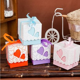 Wholesale orange wedding favor boxes - European Love Styles Hollow Square Paper Wedding Favors Box Candy Gift Bags Holder For Party Supplies Pink Blue Purple Orange Free Shipping