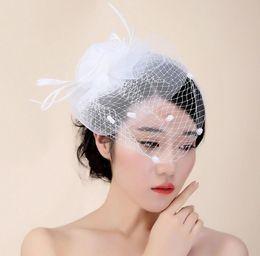 2019 свадебные шляпы Головной убор невесты волосы леди шляпа элегантная сетка кружева свадьба креативный дизайн шляпа женская шляпа пощечина шляпа невесты головной убор бесплатная доставка HT25 дешево свадебные шляпы