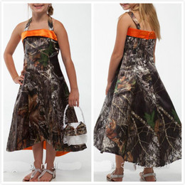 Wholesale 5t Camo - Tea Length Camo Girls Wedding Party Dresses 2016 Custom Made Printing Mossy Oak Flower Girl Dresses Halter Realtree Girl Pageant Gowns