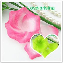 Petali di fiori artificiali bianchi online-5 pacchi (720 pz) rosa-bianco tessuto non tessuto artificiale fiore di rosa petalo per favore della festa nuziale decor-spedizione gratuita