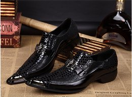 Wholesale top italian shoes for men - Top Brand Italian Shoes For Men Sapato Oxford Feminino Men Formal Shoes Mens Dress Shoes Genuine Leather Oxford Shoes For Men