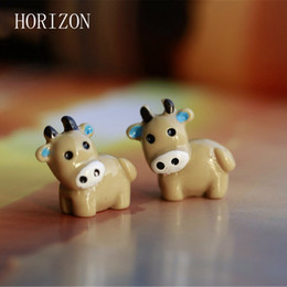 Wholesale Cow Crafts - Wholesale- New Arrival 2PC Cow Animals Fairy Garden Miniatures Mini Gnomes Moss Terrariums Resin Crafts Figurines For Garden Decoration