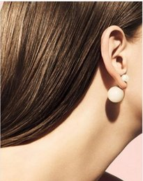 Wholesale Pearl Poster - B110 Branded Di * r poster size models sided pearl earring female pros can take