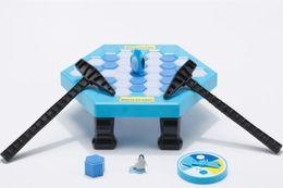 Mesas de rompecabezas online-Salva a Penguin Knock Ice Block Juego familiar interactivo Penguin Trap Puzzle Juegos de mesa Equilibrio I Cubos de hielo rotos Puzzle Juguetes Juego de escritorio