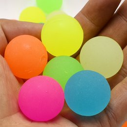 Wholesale kids watering cans wholesale - 1000pcs Colorful Bouncing Ball Can Glow in the dark floating in water child elastic rubber ball for kid bathing