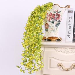 Fiore artificiale di qualità online-Fiore artificiale di alta qualità bianco Cherry Blossom Fiore Vine Wisteria Home decorativi fiori di seta per la decorazione di festa di compleanno di nozze