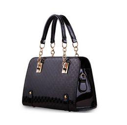 Wholesale Low Priced Leather Handbags - Wholesale-Low-priced Sell!high quality European brand handbag women bag fashion women messenger bag Bolsas Patent leather bag free send