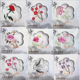 chinesische taschentücher Rabatt Chinesisches traditionelles Silk Satin Taschentuch heißer Modetrend einzigartiges Stickerei Geschenk Mischmuster verkauft pro Los von 50 Stück