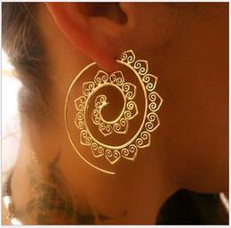 Équipement d'oreille en Ligne-Boucles d'oreilles en spirale rétro ovale exagérées L'Europe et les États-Unis Forme d'engrenage Whirlpool Hearts Eardrop Ear Hook