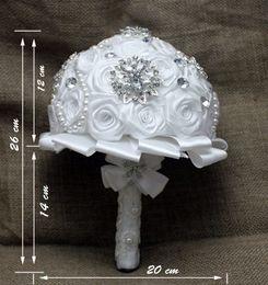 2019 bolsas de alfombra al por mayor 2015 blanco elegante hecho a mano de perlas y rosas de seda de cristal flor de la novia nupcial de la boda ramos de encaje increíble celebración de flores