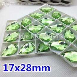 schemi di trasferimento di ferro liberi Sconti All'ingrosso-15pcs 17x28mm 3230 Vetro Pear Drop Crystal Stone da cucire LT Colore verde 28x17mm (sventato) Cucito su strass