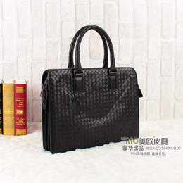Wholesale Men Discount Bag - discount High quality genuine leather weave handbag B bag men's bag black briefcase
