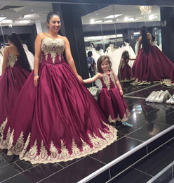 Wholesale Wholesales Prom Dresses - Real Photos 2017 Burgundy Elastic Silk Like Satin Champagne Gold Lace Applique Mother And Daughter Matching Prom Dresses EN103111