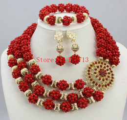 Wholesale Mother Pearl Flower Necklaces - Fashion Bridesmaid Jewelry Set Flower Choker Necklaces Earrings set Nigerian Wedding African Beads Jewelry Set Crystal BS301-11