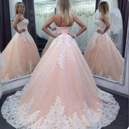 Wholesale Light Pink Ball Gown Prom Dresses - 2018 Vintage Quinceanera Ball Gown Dresses Sweetheart Pink White Lace Appliques Tulle Long Sweet 16 Cheap Plus Size Party Prom Evening Gowns