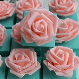 favori di cioccolatini in scatola Sconti Europ Styles Bomboniere Bomboniere Scatole regalo di cioccolatini in carta blu e rossa con fiori rose artificiali di rose