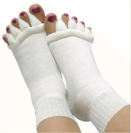 Wholesale Happy Sales - 2015 hot sale Comfy Toes Sleeping Socks Massage Five Toe Socks Happy Feet Foot Alignment Socks free shipping