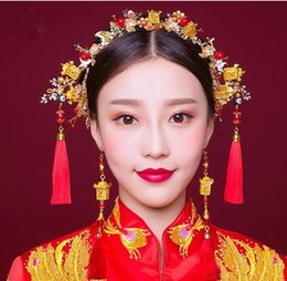 Wholesale Chinese Red Gold Clothes - Bride Chinese gold background red costume headset suit show Wo clothing dress accessories