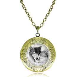 Wholesale Antique Grey - Love Wolf Locket Necklace for Couples Lover Natural Grey Wolves Pendant Glass Cabochon Animal Neckless Antique Bronze Choker Photo Frame