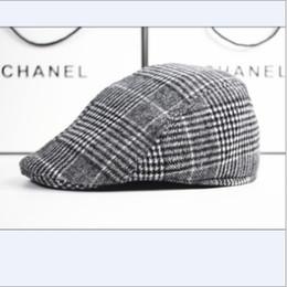 2019 boina roja militar 2016Wholesale-Winter and Fall Men Elegante Vintage Checker Woolen Berets Hat Gorra de pico,