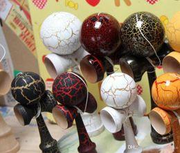 Argentina Grieta kendama juego de pelota de calidad superior pintura de grieta completa haya poise kendama muñeca profesional kendama profesional Jian Yu bola 18 cm Suministro