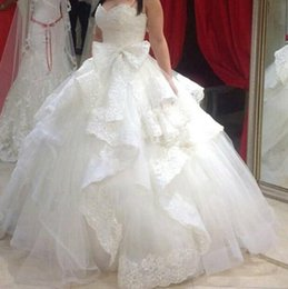 Wholesale Wedding Dresses Trimmed Red - Arabic Ball Gown Wedding Dresses 2016 vestidos de novia Sweetheart Neckline Tiered Ruffled Trimmed Lace Puffy Tulle Bridal Gowns