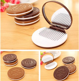 Wholesale Chocolate Drops Wholesale - 2016 Cocoa Cookies Compact Mirror Mini Cute Chocolate Pocket Portable Hand Mirror with Comb Makeup Tools 2 Colors DHL Free Drop Shipping