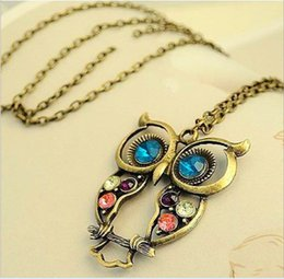 Wholesale Gold Plated Jewellry - New vintage Embedded drill Hollow carved Owl Pendant Necklace New Girl's Fashion Jewellry Silver Vintage Lovely Big Eyes Owl Charms