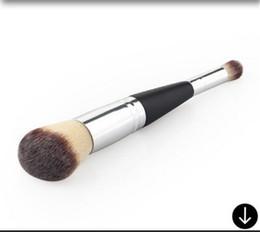 polvos cosméticos kylie Rebajas Cepillo de ruborización del estilo de los cosméticos de IT / Cepillos especulares Cepillo de múltiples funciones Deluxe del maquillaje de la belleza de la alta calidad Blender Face D936