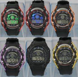 Mejores relojes digitales impermeable online-Relojes LED de colores Reloj Deportivo Mejor Venta Excelente Deporte Luz LED Moda Impermeable Boy Girl Electrónica Muñeca Reloj Niños Regalo