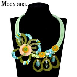 Wholesale Wood Jewelry Accessories - Maxi big wood flower choker necklace classic New fashion boho jewelry display Bohemia statement necklace women accessories
