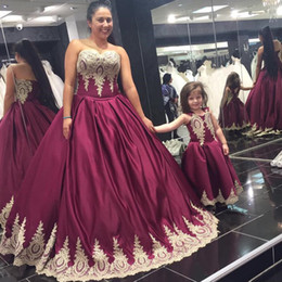 Wholesale Mother Daughter Dress Up - Mother Daughter Gowns 2017 Free Shipping Vestidos De Noite Longos Plus Size Burgundy Evening Dresses with Lace Appliques