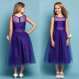 Vestidos de garotas de flor roxas reais on-line-Barato Vestidos Da Menina de Flor 2016 Uma Linha Sheer Neck Roxo Real Vestido de Dama de honra Macio Tule de Chá Comprimento Formal Crianças vestido para o Casamento