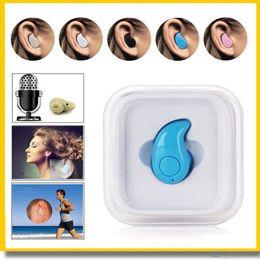 Hot Mini Bluetooth 4.0 S530 Piccolo auricolare stereo nell'orecchio Cuffie invisibili luce wireless Cuffie vivavoce Chiamata al minuto casella di chiamata al dettaglio da piccoli auricolari wireless per la musica fornitori