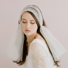 Wholesale Bridal Veil Hair Clip - Vintage Wedding Veils With Hair Pieces Shoulder Length Beads Clips Bridal Headpieces Short Bridal Veils #V0009