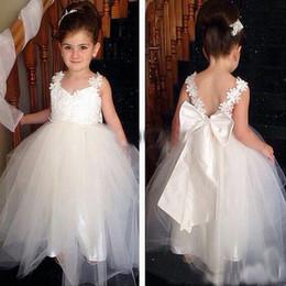 Wholesale Feather Bridesmaid Dresses - 2016 HOT Lovely Flower Girls Dresses For Weddings V Neck Tulle Floor Length Backless Ball Gown Junior Bridesmaid Dresses