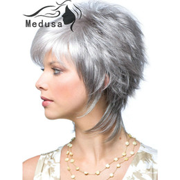 Wholesale Grey Synthetic Wigs - Free shipping Modern shag hairstyles Synthetic pastel wigs for women Short wavy silver wig with bangs Peruca curta grey wig for womens
