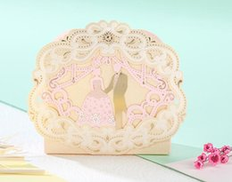 Wholesale Gold Wedding Favour Boxes - 100Pcs romantic European style Hollow out gold Wedding box Candy Box gift box wedding bonbonniere wedding favour boxes TH221