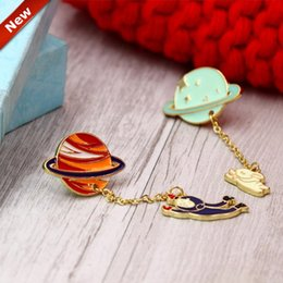 Wholesale Space Men Rabbits Brooches pins for Women girls Metal gold plated fantastic color space dangle Brooches New Design Fashion Jewelry