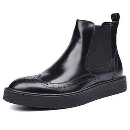 Wholesale Boots Fashion Platform Vintage - Vintage Genuine Leather Man Outdoor Ankle Boots Round Toe Flat Platform Men's British Designer Martin Male Chelsea Shoes
